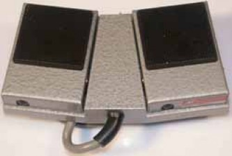 Herga-Fussschalter, Zweipedalig, je 1 Schliesser