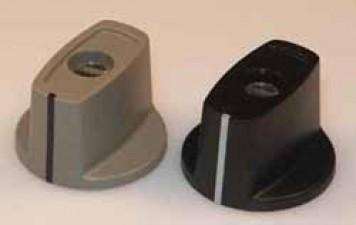 Knebelknpf D:16 mm d:3 mm  H: 15.8  mit Spannzangenbefestigung, schwarz matt