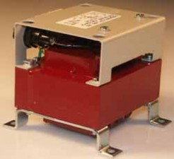 Transformatoren mit Gleichrichter, Klemmanschlüssen und Feinsicherung (5x20), 70W, EJ96a