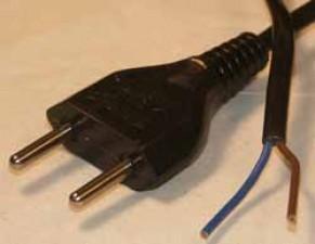 Netzkabel mit Stecker, Flachkabel 2 x 0.75mm², L 1.5m, Schwarz